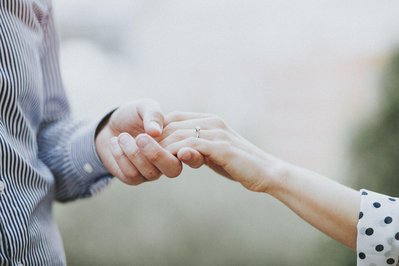 Secret Surprire Engagement Photoshoot in Park | Ceranna Photography | Destination Wedding and Elopement Photographer in Central Europe