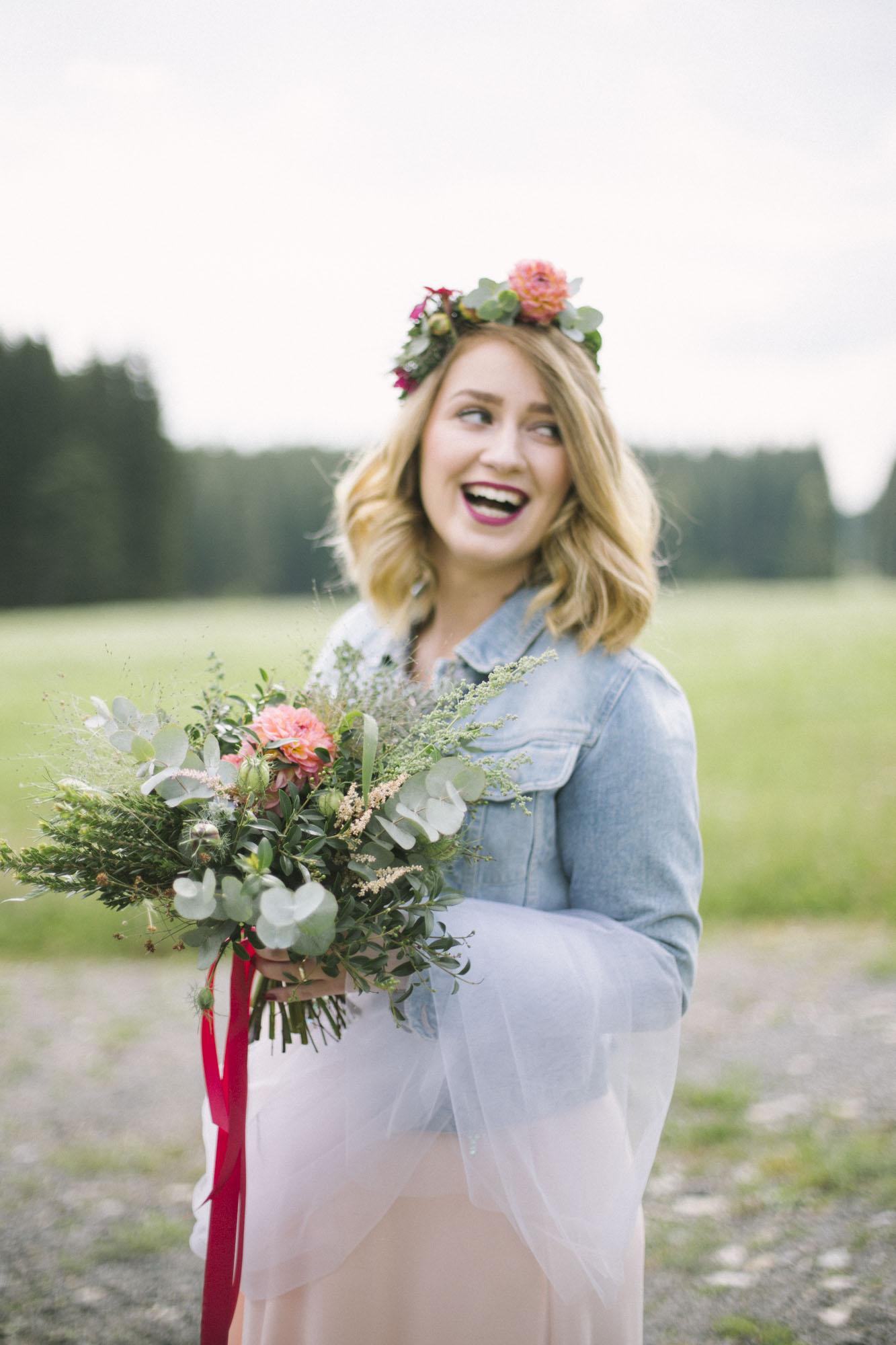 Wes Anderson inspired Bohemian Wedding in Czech Countryside Photography by Ceranna | Czech Weddding Photographer | Boho Bride