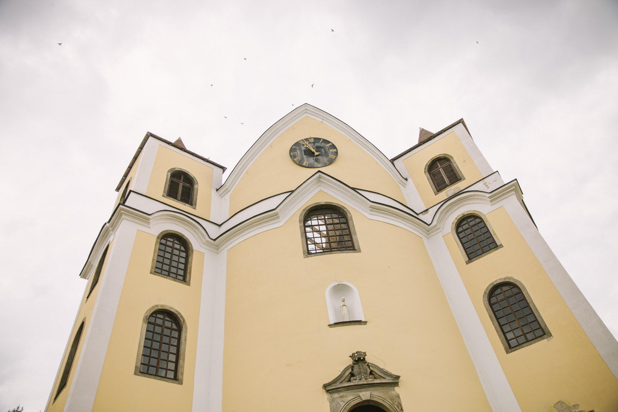 Svatba v kostele Neratov, bohémská svabta | Czech boho wedding | Svatba v orlických horách