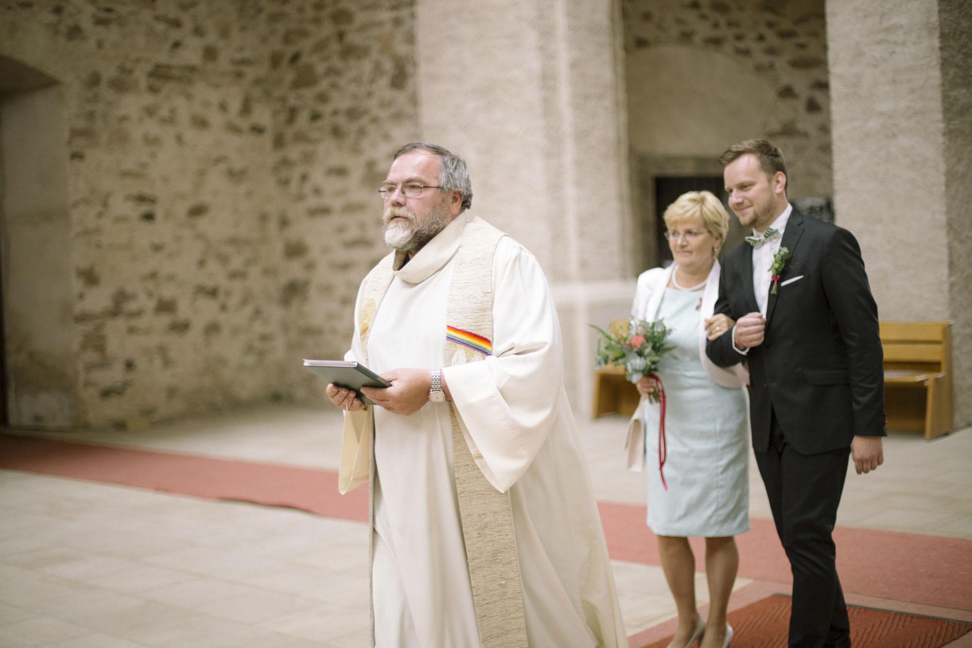 Wes Anderson inspired Bohemian Wedding in Czech Countryside Photography by Ceranna | Czech Weddding Photographer | Boho Bride | Neratov svatba