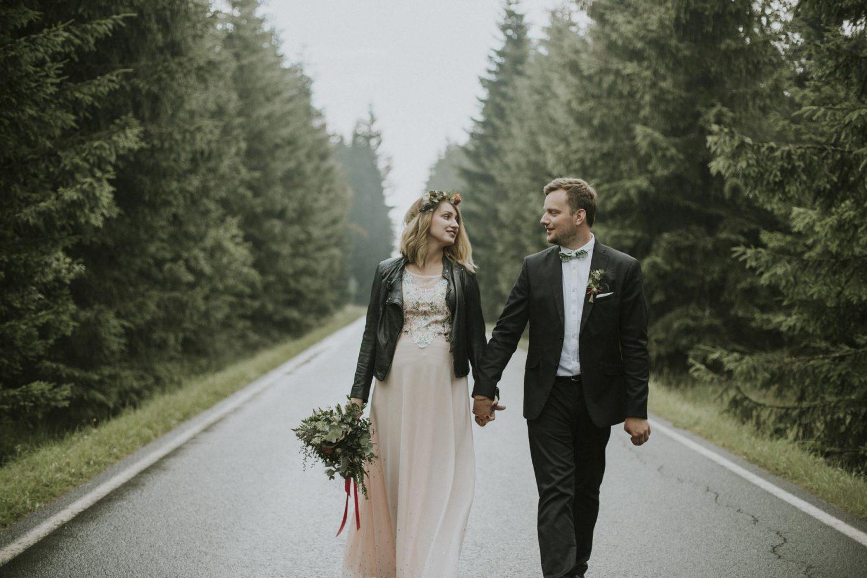 Wes Anderson inspired Bohemian Wedding in Czech Countryside Photography by Ceranna | Czech Weddding Photographer | Boho Bride | Neratov svatba | svatba v Neratově