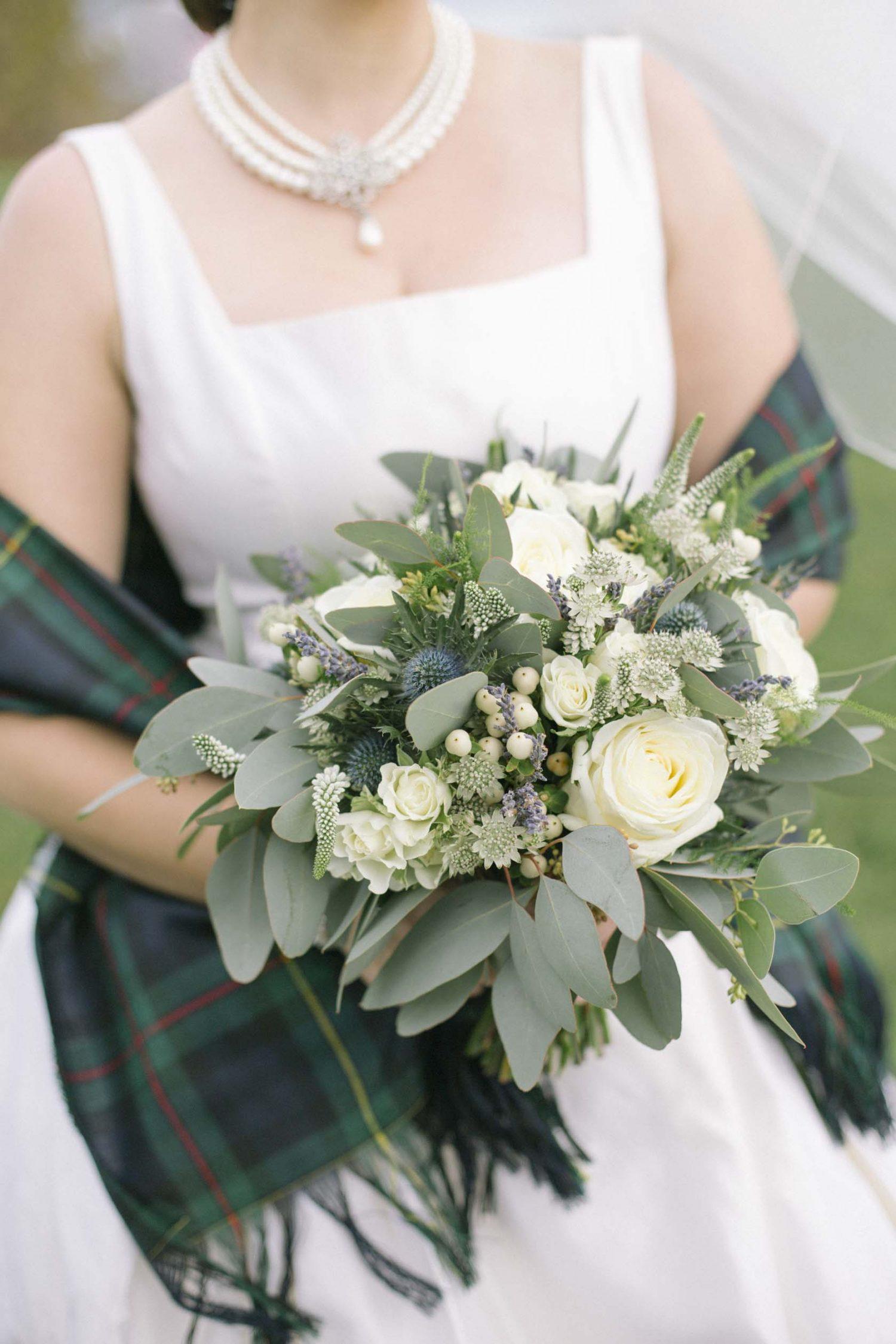 Edinburgh Castle Destination Wedding Bouquet | Edinburgh Wedding Photographer | Natural Scottish Wedding Photography | American Bride | Green Wedding Tartan
