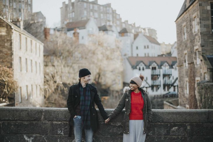 What to wear for engagement photoshoot? Edinburgh couple photographer