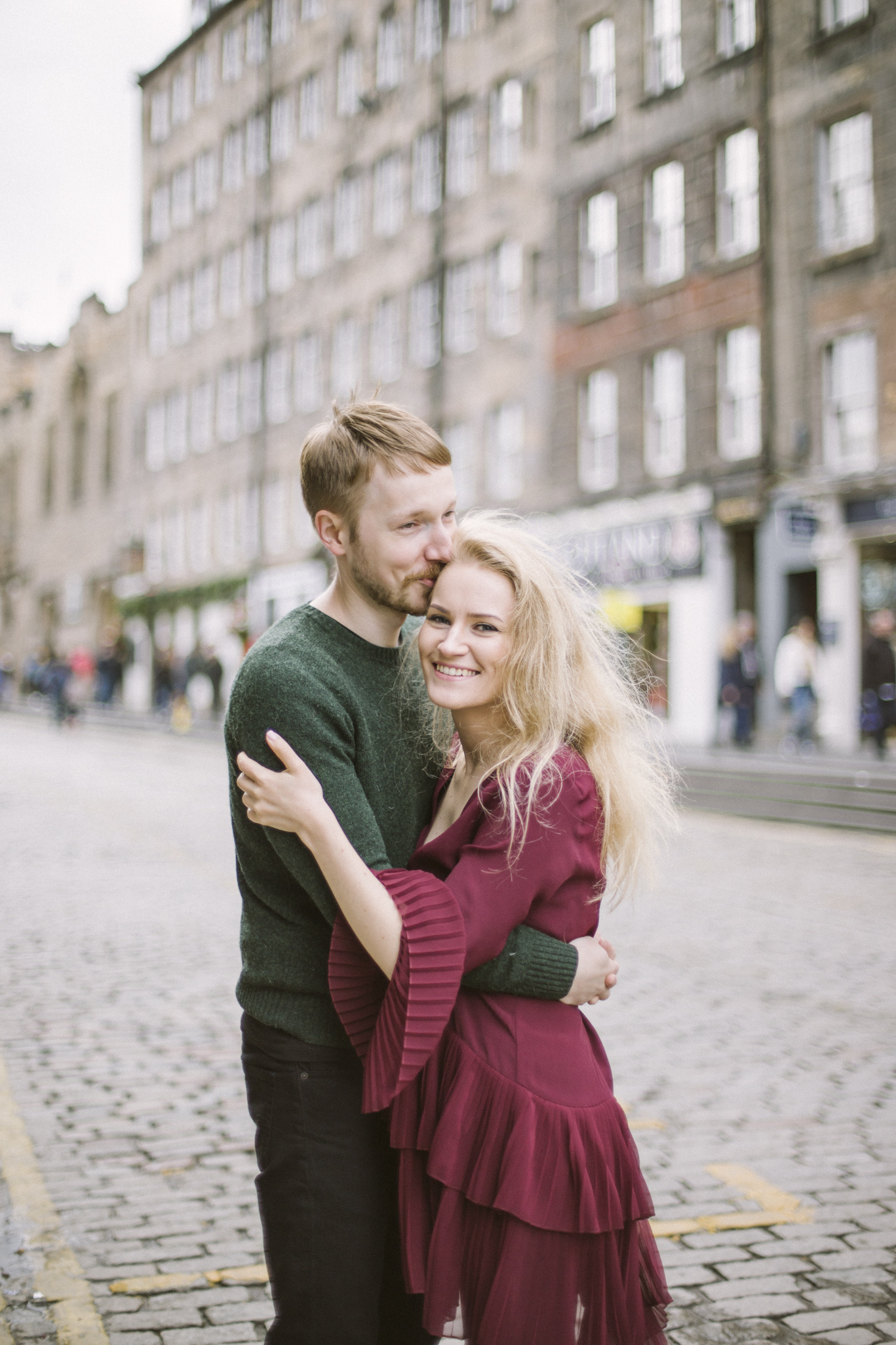 Getting engaged on Royal Mile, Edinburgh Street Old Town Couple Photoshoot | Pre Wedding Photography | Engagement Portraits Scotland | Destination Elopement | Elope in Edinburgh | Couple | Ceranna Photography | Natural Light Photographer