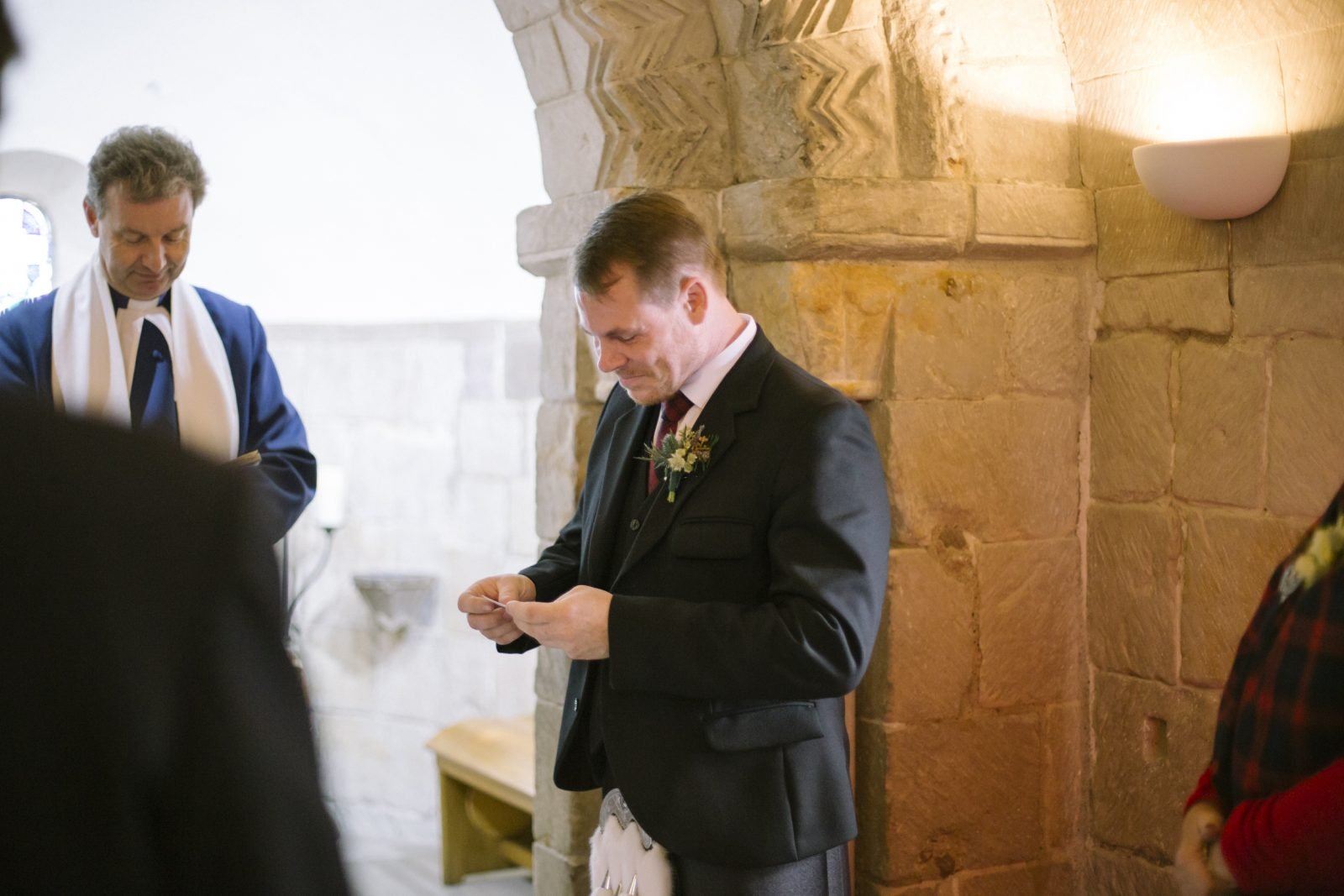 Edinburgh Castle Destination Elopement Photography | Edinburg Castle Wedding Photography | Scottish Destination Wedding | St Margaret's Chapel Elopement | intimate wedding photography by Ceranna | Edinburgh Wedding Photographer