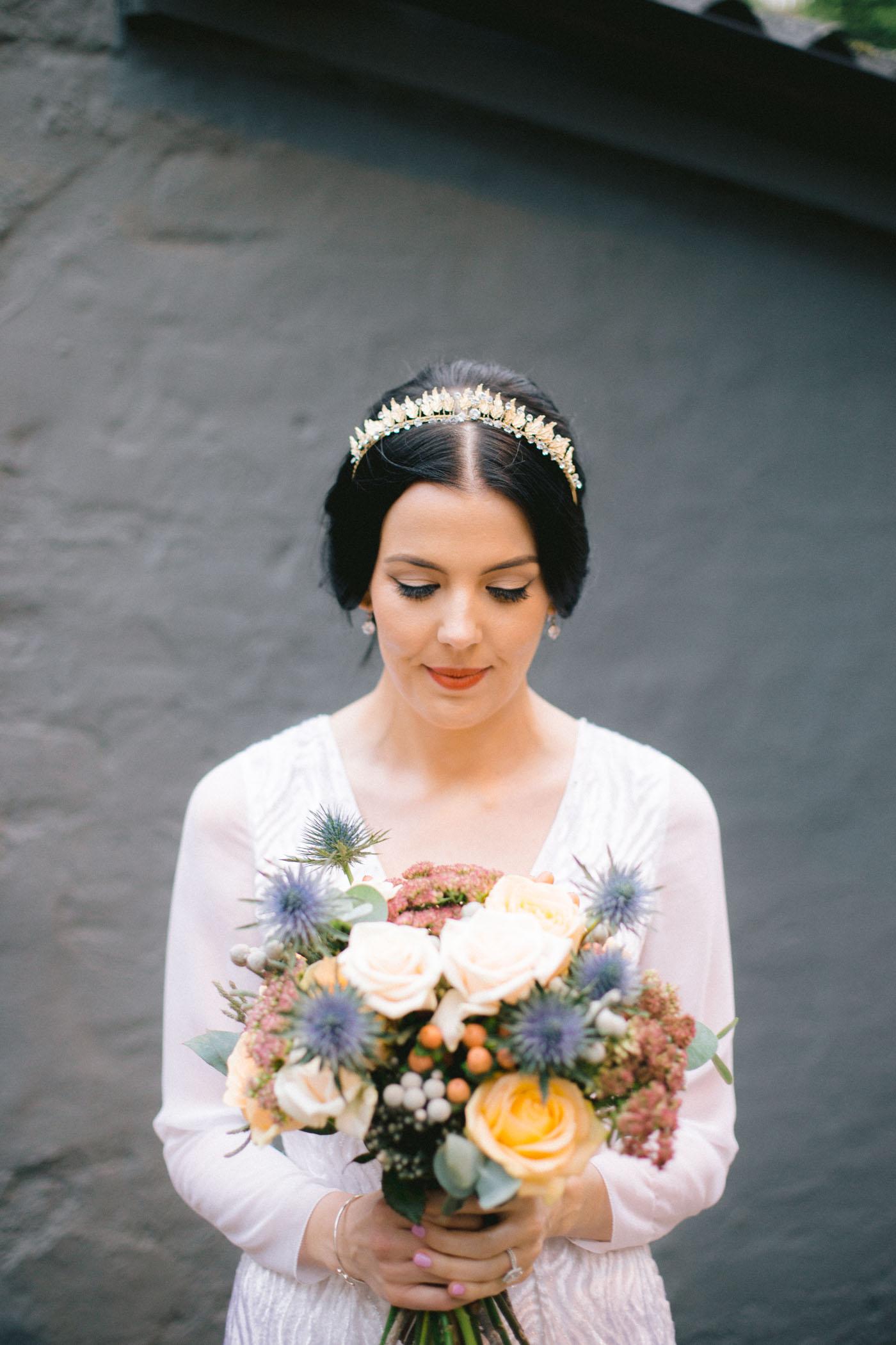 Vintage bride inspiration | tiara | Glasgow wedding photography