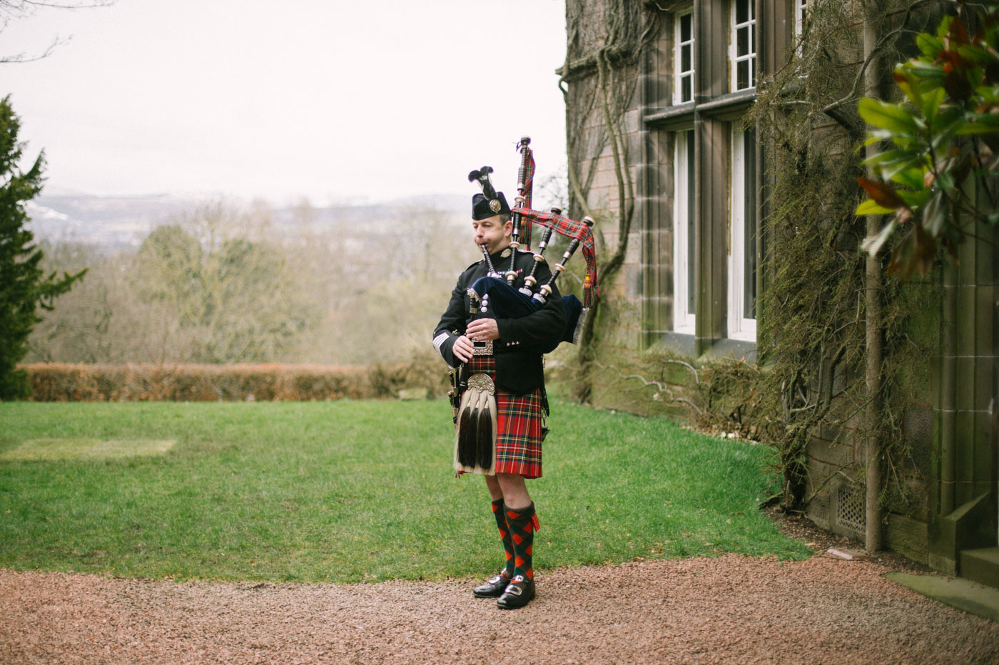 Bag piper at Mansion House at Edinburgh Zoo Wedding Photography