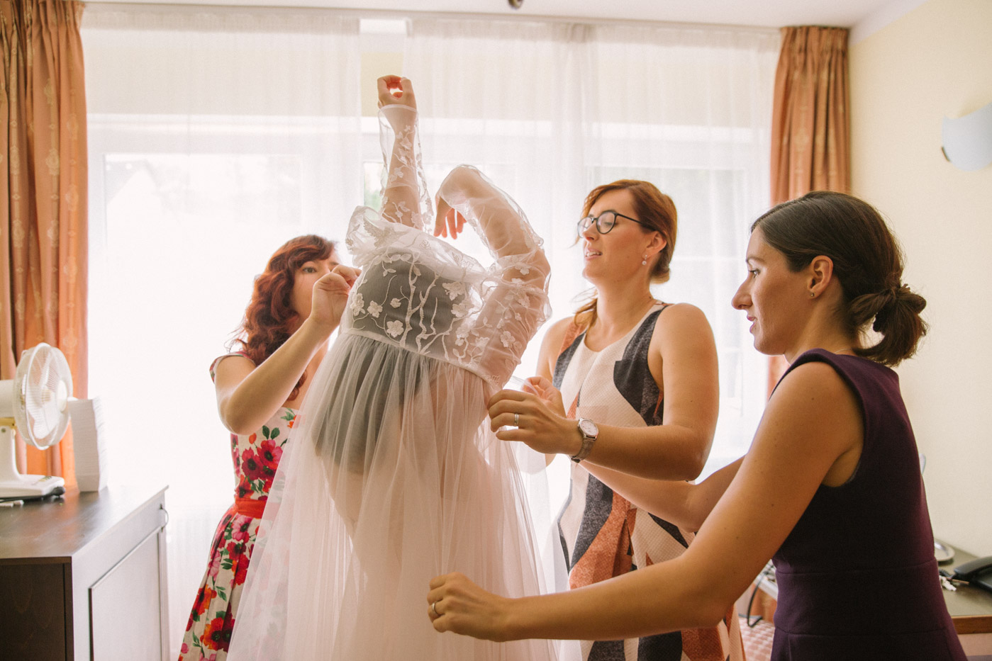 Ruzove svatebni saty | Svatba Lasakuv Mlyn | Marie Mukařovská