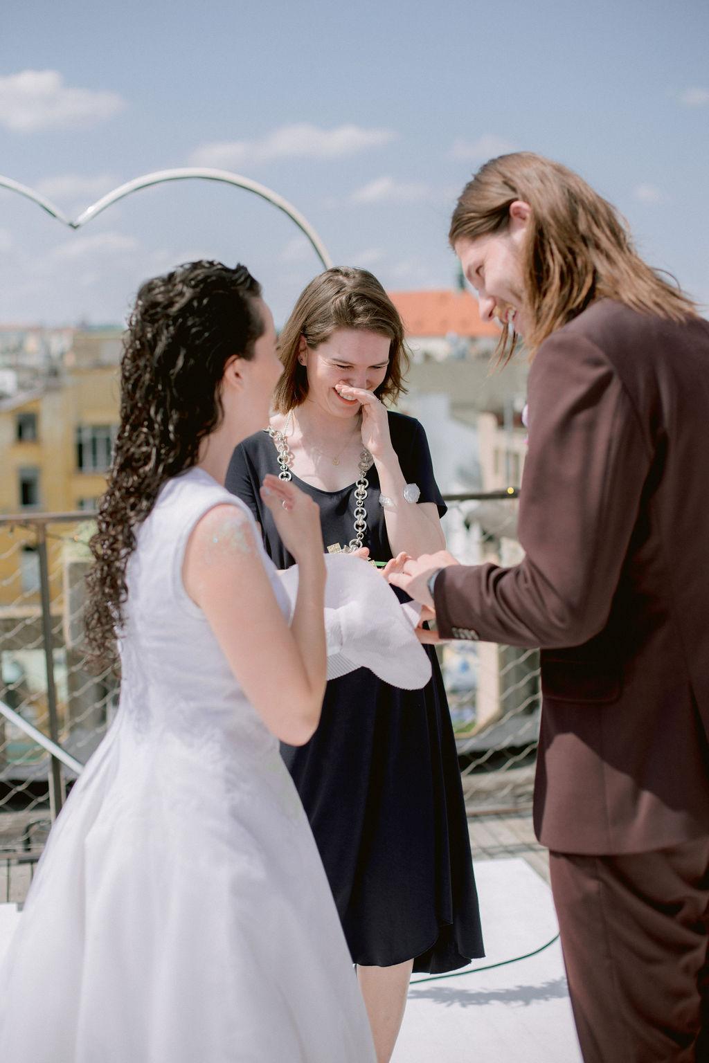 karbonové svatební prstýnky