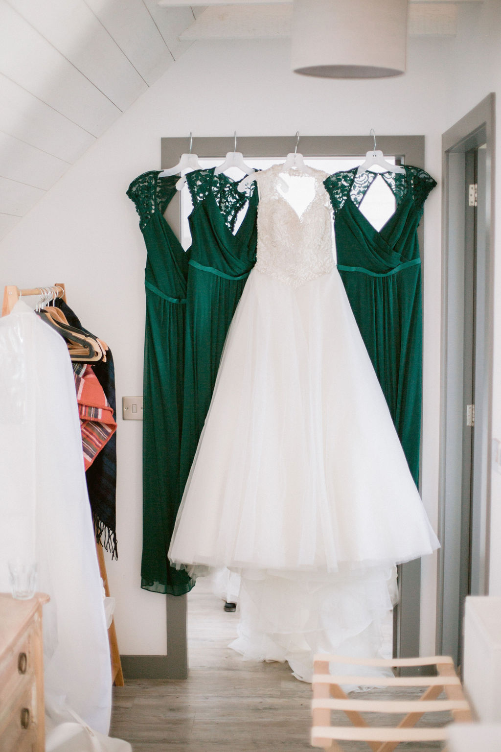 Smaragd green bridesmaids dresses | Barra Castle Wedding