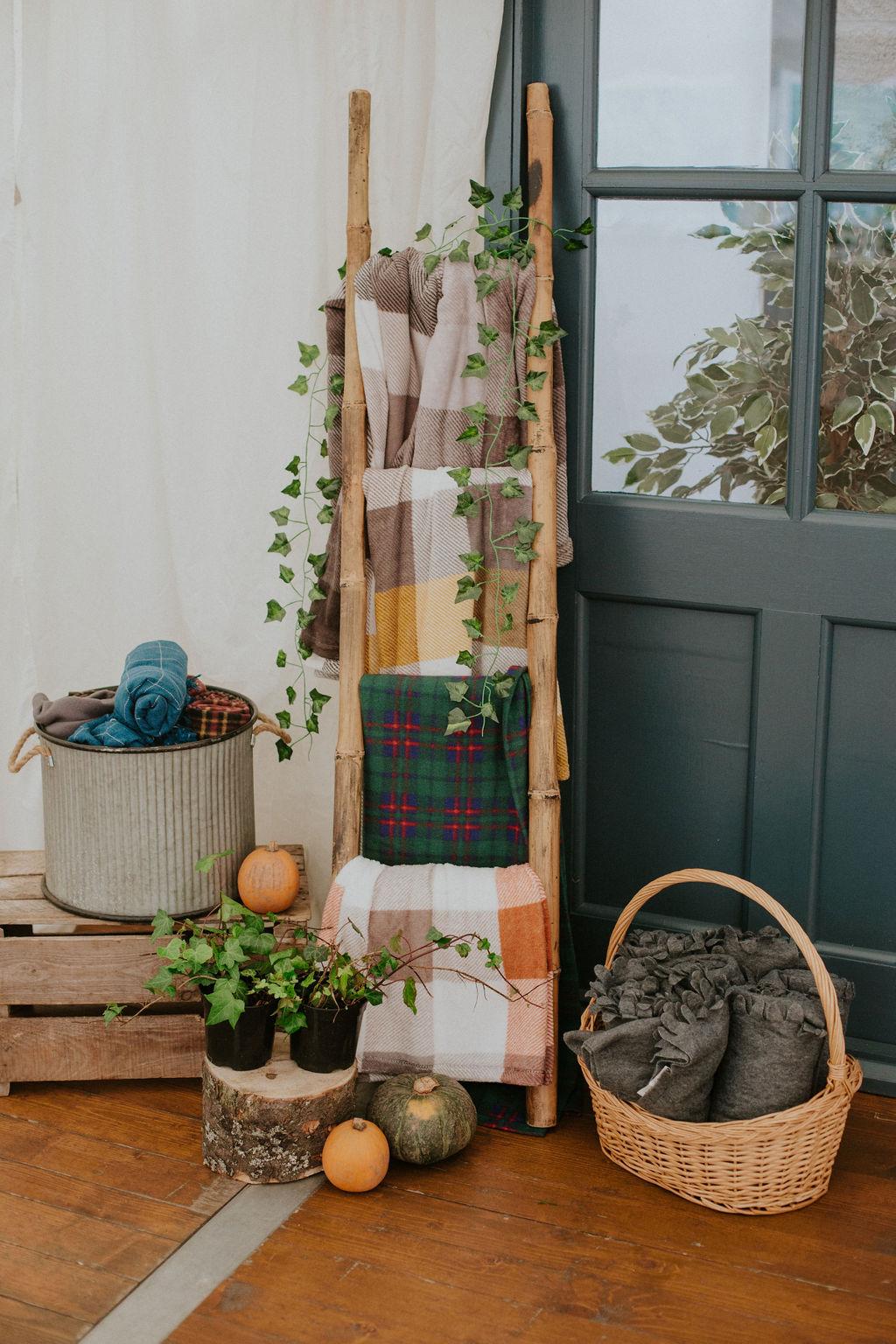 Just Vintage Hire Wedding Scotland Autumnal Inspiration Scottish Wedding in Aberdeenshrie Cozy blankets