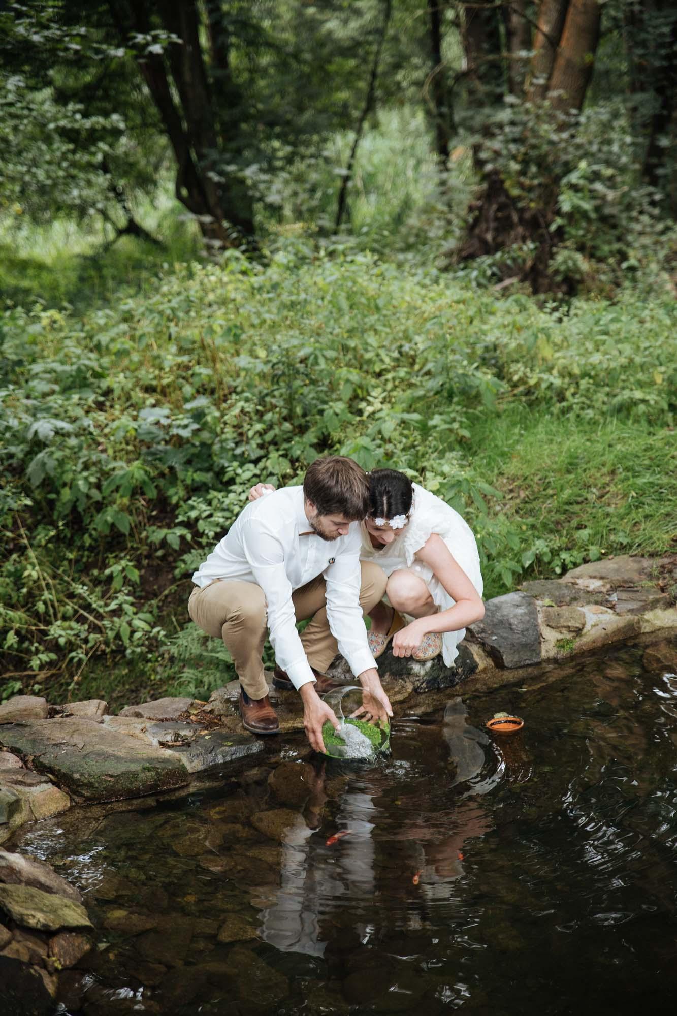Svatba - vypouštění ryb