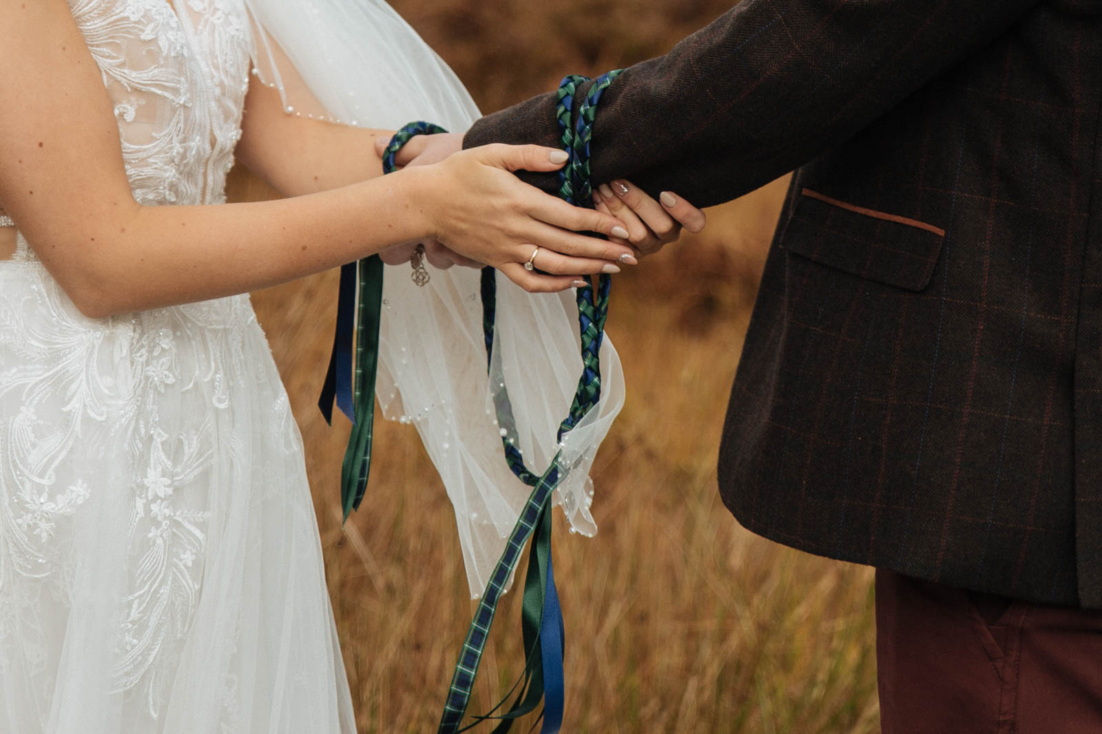 Scottish handfasting - tie the knot